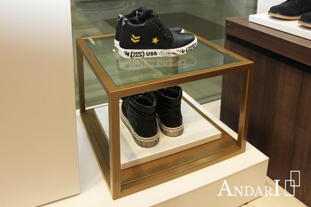 Подставка для обуви из стекла и металла
